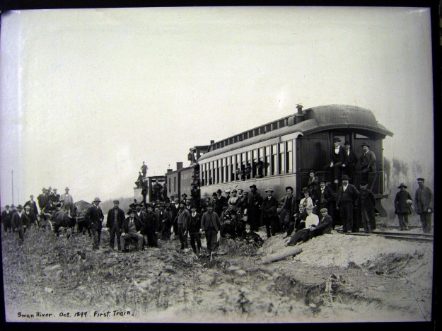 First train to Swan River, Oct 10, 1899. Photo courtesy: Swan Valley Historical Museum